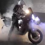 Những màn biểu diễn siêu mô tô khiến dân chơi nóng mặt
