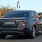 Ngắm kỹ từng đường nét nội thất của xe hot Mercedes E class 2016