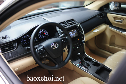 noi-that-xe-camry