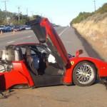 Siêu xe Ferrari Enzo tai nạn đứt đôi vẫn phục hồi đẹp hơn mới