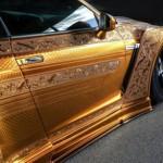 Choáng siêu xe Nissan GT-R bọc vàng rất nghệ thuật