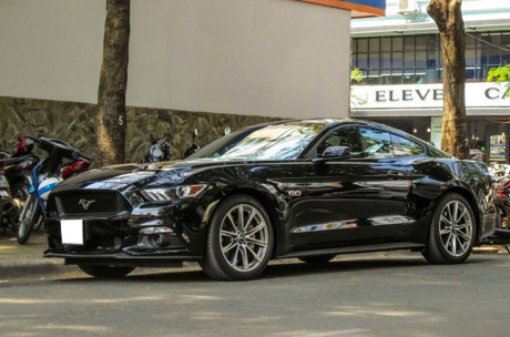 xe-ford-mustang