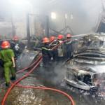 Siêu xe Bentley, Mercedes, BMW cháy đen ở Sài Gòn