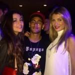 Tiền Đạo Neymar lộ ảnh đi chơi cùng hoa hậu Thế giới