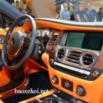 Xe siêu sang Rolls Royce Dawn cho khách lái thử thoải mái