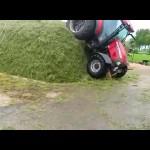 Những vụ tai nạn xe máy xúc hài hước