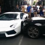 Xe sang Mercedes đâm ngang siêu xe Lamborghini Aventador