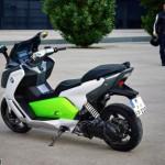 Xe máy tay ga BMW chạy điện rẻ hơn nhiều chức năng hơn