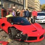 Mảnh vỡ trước của siêu xe LaFerrari bán giá 100 triệu đồng