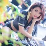 Người mẫu xinh đẹp bên siêu xe Kawasaki H2 ở Sài Gòn