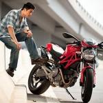 Johnny Trí Nguyễn tự đánh giá chi tiết siêu xe Ducati Scrambler