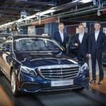Mercedes đón chào E class 2016 đầu tiên ra mắt