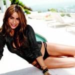 Nữ diễn viên Hollywood kêu khổ vì ngực quá to
