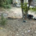 Hai thanh niên đi xe máy tông thẳng vào cây 1 người chết
