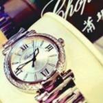 Vợ mới cưới ly dị chồng vì tặng đồng hồ giả