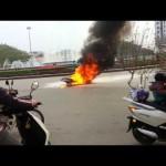 Video cận cảnh vụ cháy xe máy giữa thành phố Thái Nguyên