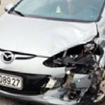 Mazda 2 đâm 3 xe rồi bỏ chạy ở Hà Tĩnh