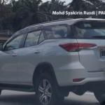 Lộ ảnh khá chi tiết Toyota Fortuner 2016 trên đường Malaysia