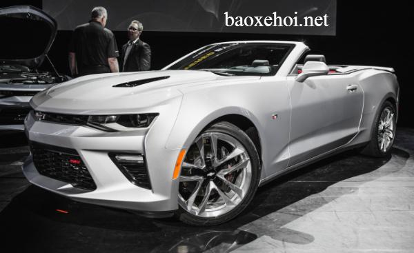 Xe Chevrolet Camaro Mui Trần 2016 đẹp Va Cơ Bắp Baoxehoi