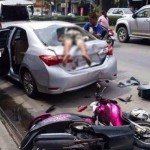 Tay đi mô tô đánh nhau với tài xế ô tô trên phố