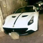 Khó tin tỷ phú cắm siêu xe Ferrari vay ngân hàng 100 triệu đồng