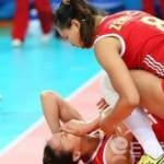 Nữ vận động viên đẻ luôn trên sàn đấu gây sốc