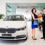 Á hậu Phương Lê mua xe sang BMW 730Li