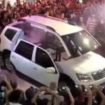 Video xe SUV biến hình thành rô bốt như phim tại triển lãm