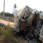 3 người ngồi trên xe tải tử vong do đâm phải xe đầu kéo