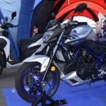 Giá bán chính thức của 3 xe thể thao Yamaha 2016