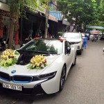 Hai siêu xe BMW i8 Đà Nẵng đều ra biển đẹp