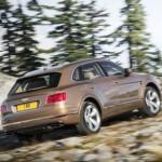 Bentley Bentayga bán chạy và sản xuất nhiều hơn năm 2016