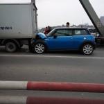 MINI Cooper S nát đầu nhưng túi khí không bung ra