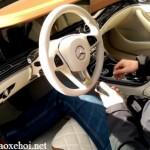 Xem tính năng mở khóa xe Mercedes bằng điện thoại di động