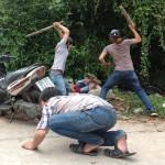 Hai thanh niên đánh nhau trong trường học gây xôn xao