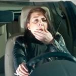 Làm sao để không buồn ngủ khi lái xe ô tô đi xa