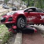 Chiếc xe máy may mắn thoát chết trong gang tấc