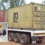 Cảnh sát rượt đuổi chiếc xe container bị ăn trộm như phim hành động