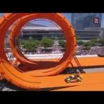 Màn biểu diễn lộn vòng và bay xe đỉnh cao thế giới
