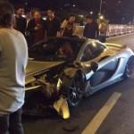 Siêu xe McLaren P1 giá 50 tỷ đồng bị tai nạn ở Trung Quốc