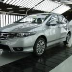 Ông lớn Honda và Toyota tạm ngừng sản xuất xe vì động đất