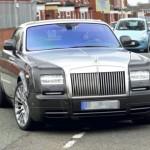 Tiền vệ đội Man City mua liền lúc 2 xe siêu sang Phantom