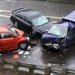 Xe cảnh sát phóng tốc độ 90 km/h đâm mạnh vào xe sang đường