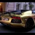 Ngắm siêu xe triệu đô Lamborghini Aventador SV mui trần mạ vàng trên phố
