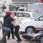 Thanh niên va chạm giao thông suýt đánh nhau trên đường phố