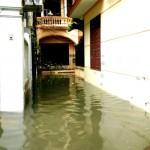 Ảnh đường Hà Nội ngập nhiều tuyến phố sau cơn mưa to đêm qua