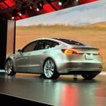 Xe Tesla Model 3 nhanh hơn nhiều với gói Ludicrous