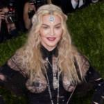 Trần tình của Madonna khi bị chê ăn mặc hở hang