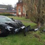 Siêu xe McLaren 650S tai nạn nát đầu khi vừa ra khỏi Showroom