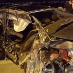 Xe Hyundai Sonata và Uaz đâm nhau hư hỏng nặng